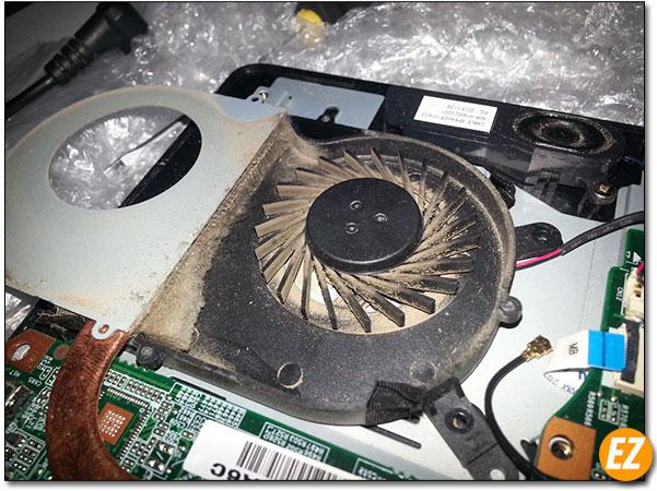 Quạt thông gió Laptop bị bụi